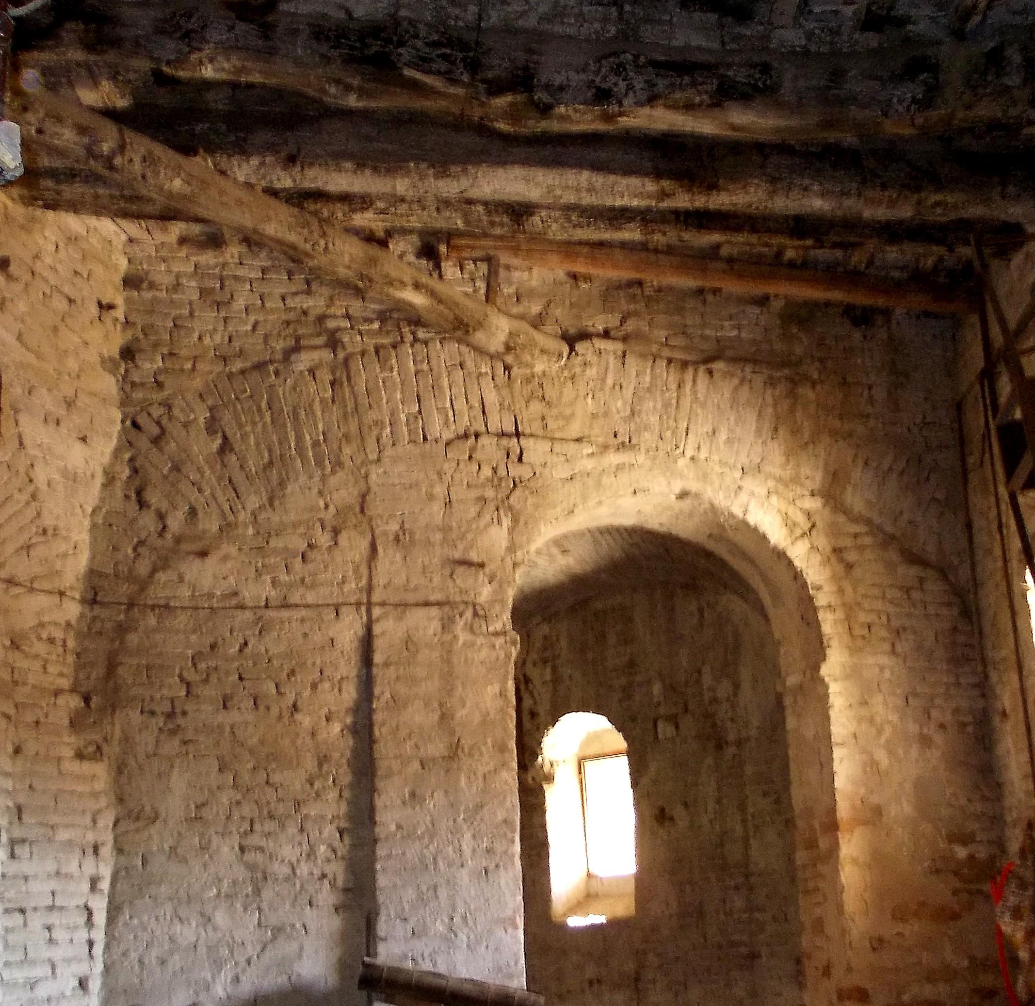 Ipotesi Storica Sulle Mura Montegranaresi L 39 Ape Ronza
